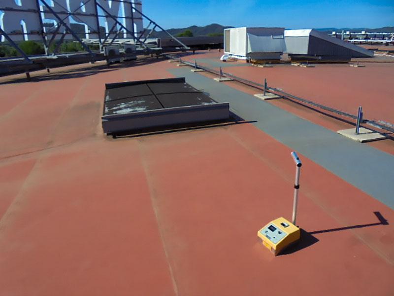 Recherche d'infiltration sur toit terrasse Hyper-U Dragignan